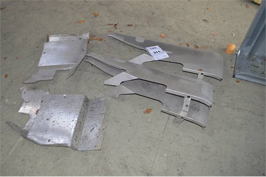 3: Land Rover Series III N/S Front Wing Tops With 2: Land