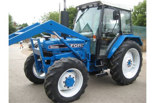 Ford 3500 Tractor : Ford wd tractor complete with front loader