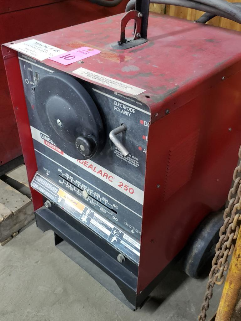 Lincoln welder Idealarc 250 AC/DC arc welder. - Image 3 of 3