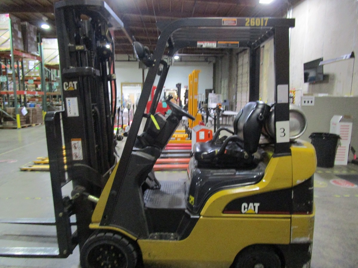 Cat CC4000 LPG Forklift s/n AT81F50079 (Delivery - 4/3/20), 1700 Hours, 3,125 #, 200 | Rig Fee: $100 - Image 4 of 7