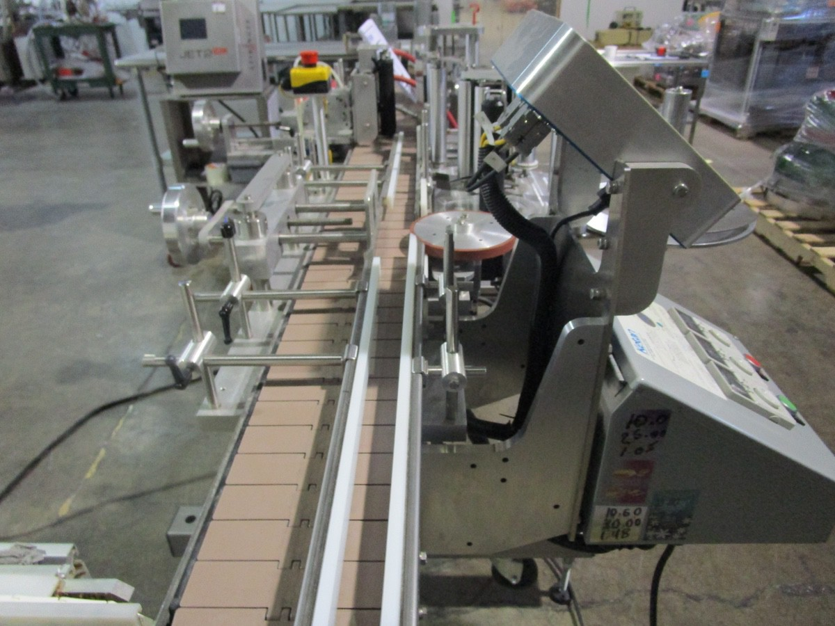 Lot 6 - 2017 Ketan LR-290R Wrap Around Labeler s/n KLS-136119, TC-34M Squeeze Conveyor | Rig Fee: $250