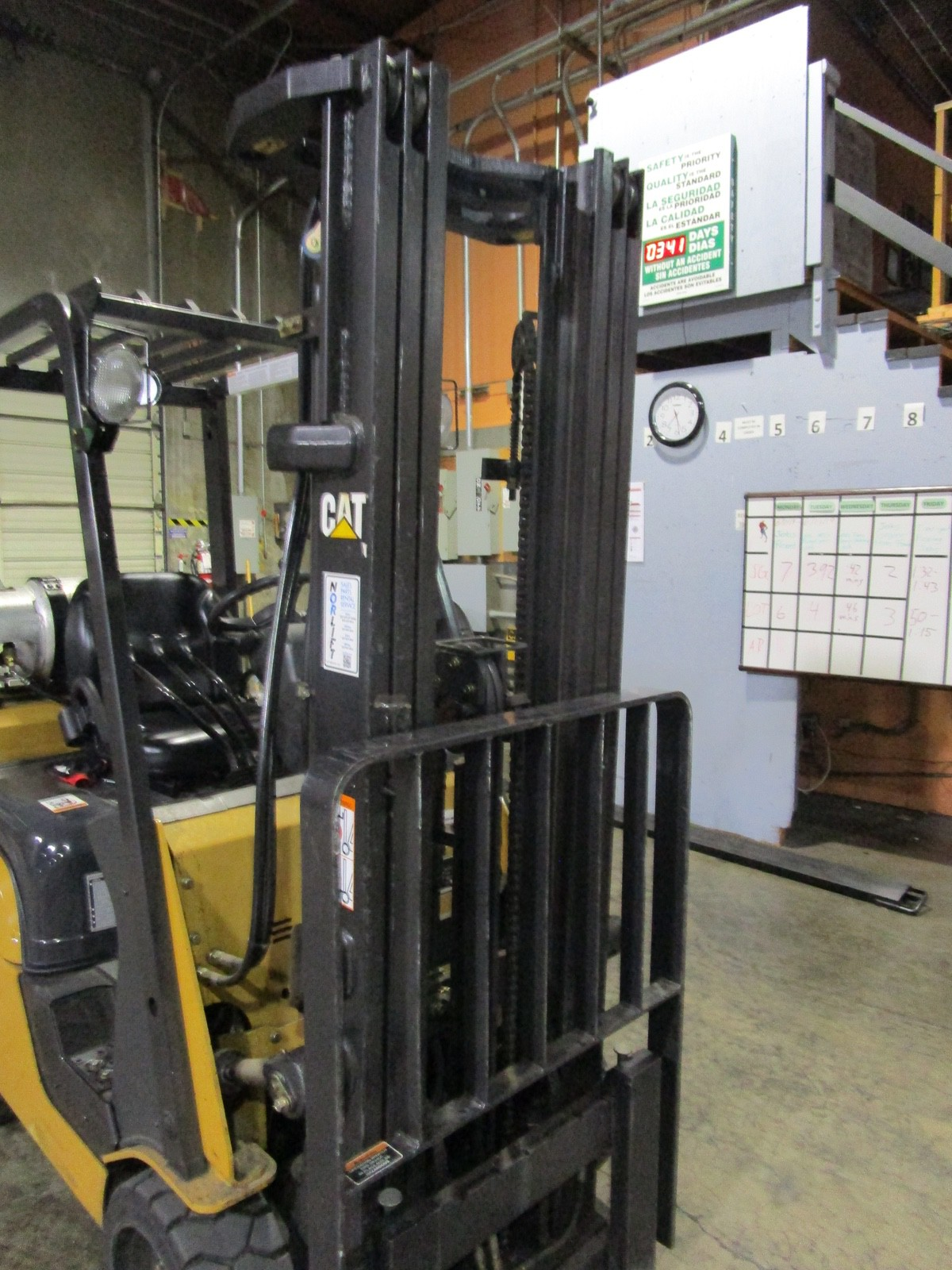 Cat CC4000 LPG Forklift s/n AT81F50079 (Delivery - 4/3/20), 1700 Hours, 3,125 #, 200 | Rig Fee: $100 - Image 6 of 7