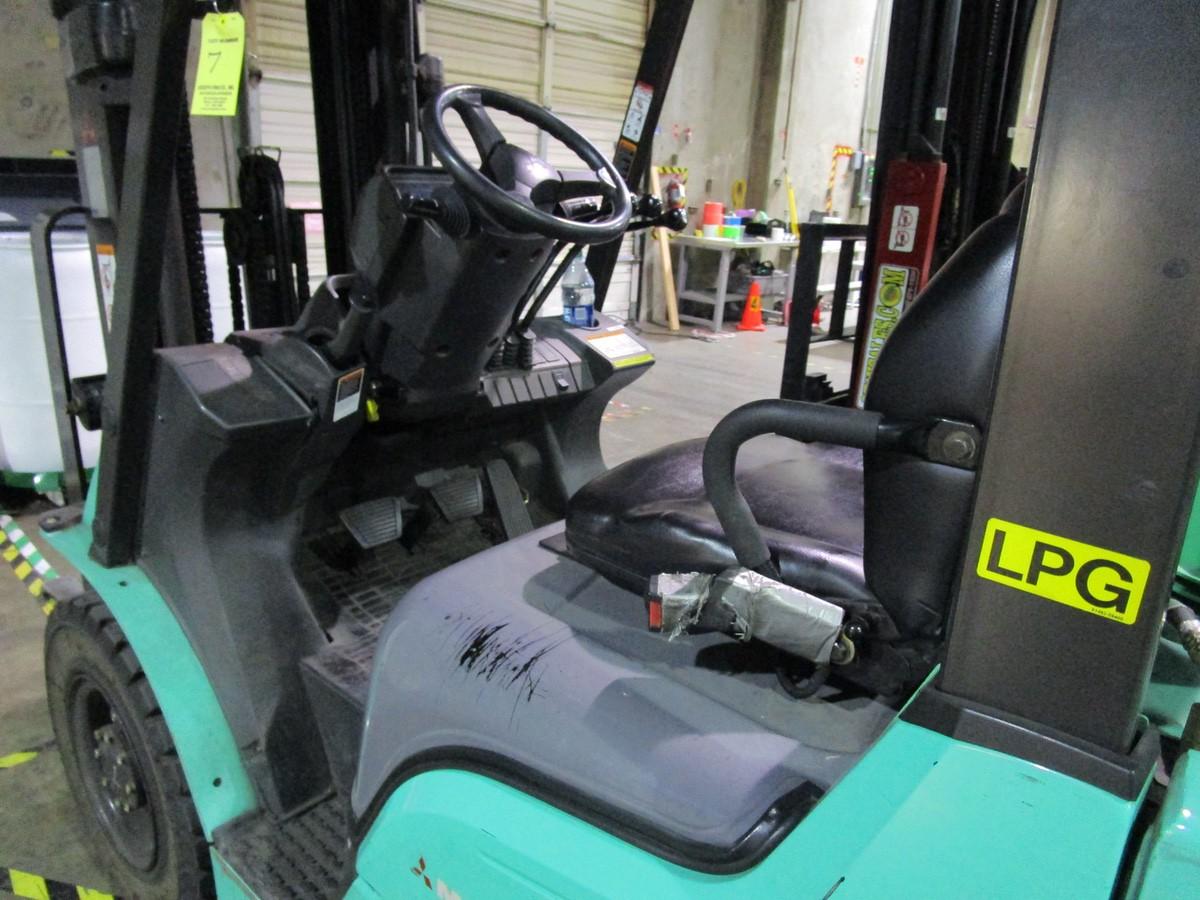 Mitsubishi FG25N LPG Forklift s/n AF17D03330 (Delivery - 4/3/20), 3175 Hours, 4,500# | Rig Fee: $100 - Image 2 of 7