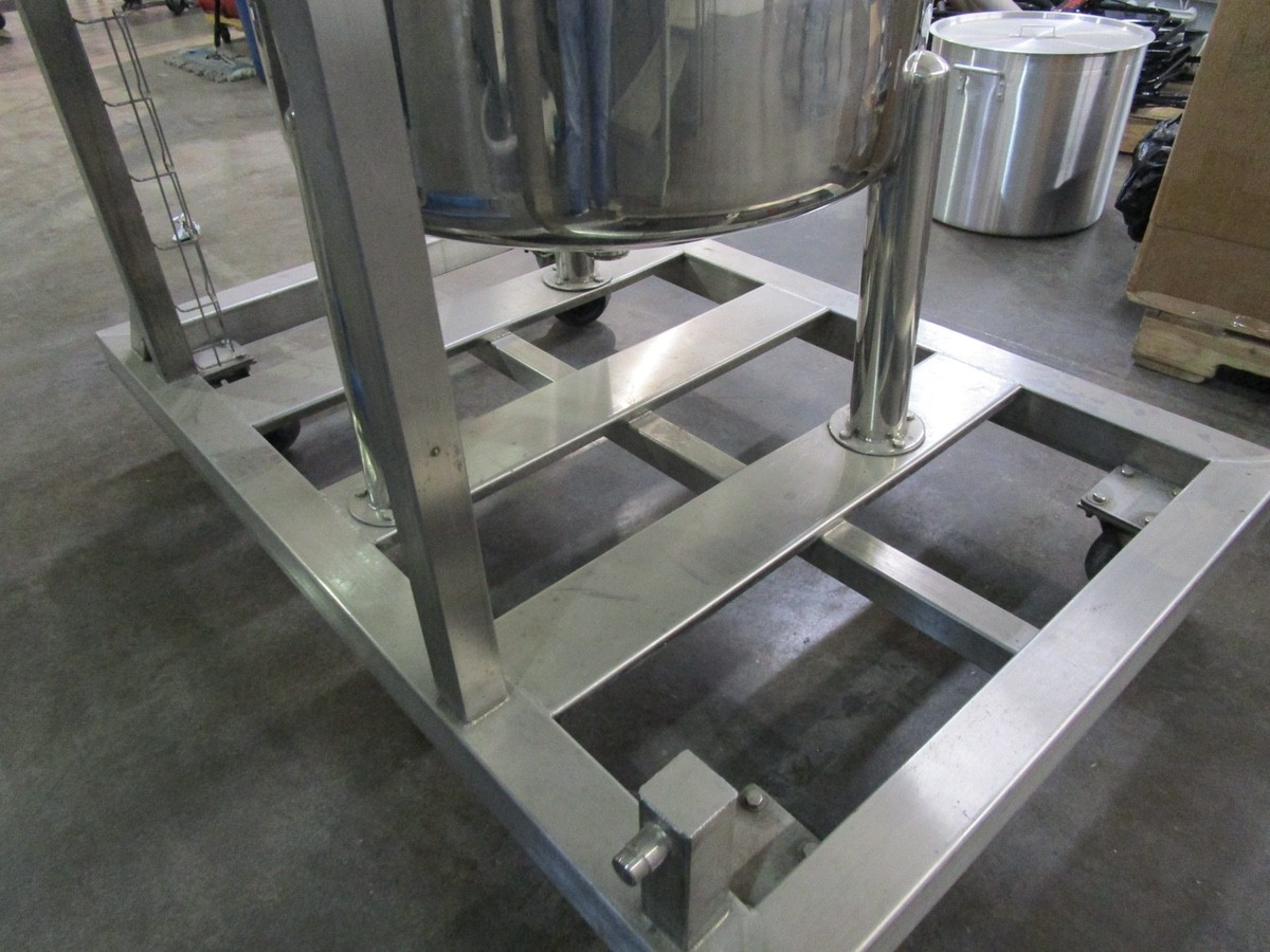 Approx. 75 Gallon Stainless Steel High Polish Twin Agitated Vessel, (2) Mixer/Agitat | Rig Fee: $300 - Image 9 of 10