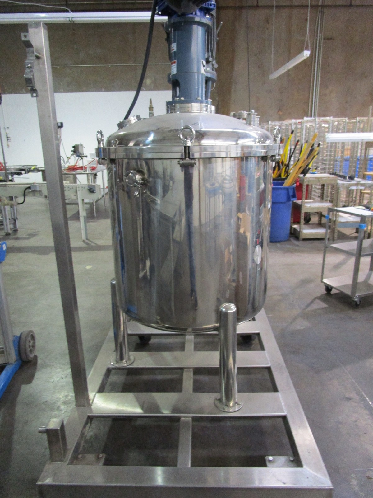 Approx. 75 Gallon Stainless Steel High Polish Twin Agitated Vessel, (2) Mixer/Agitat | Rig Fee: $300 - Image 4 of 10