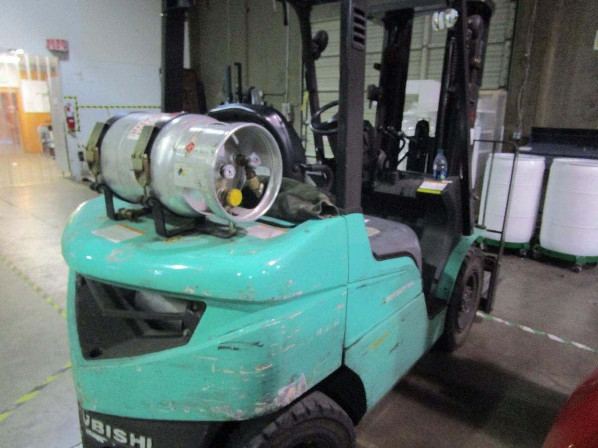 Mitsubishi FG25N LPG Forklift s/n AF17D03330 (Delivery - 4/3/20), 3175 Hours, 4,500# | Rig Fee: $100 - Image 3 of 7