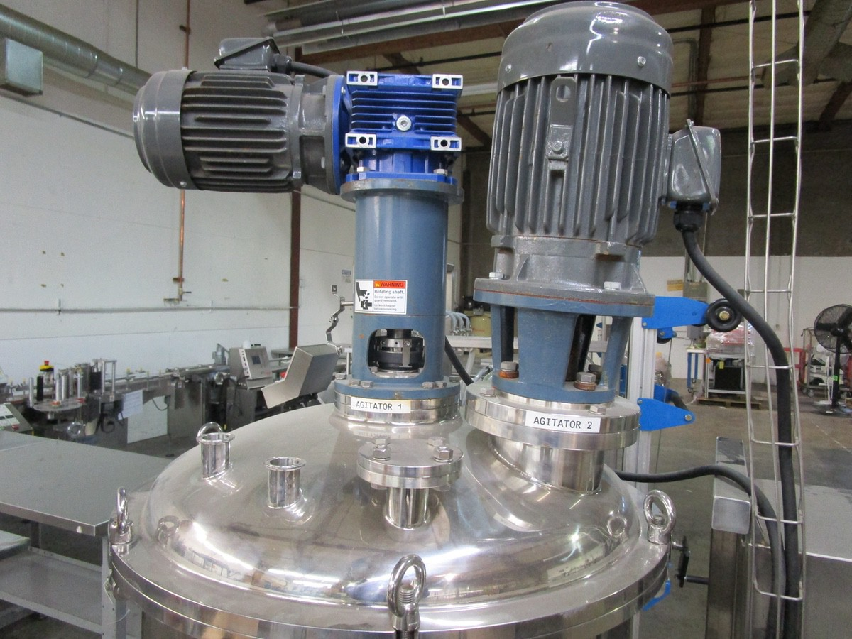 Approx. 75 Gallon Stainless Steel High Polish Twin Agitated Vessel, (2) Mixer/Agitat | Rig Fee: $300 - Image 2 of 10