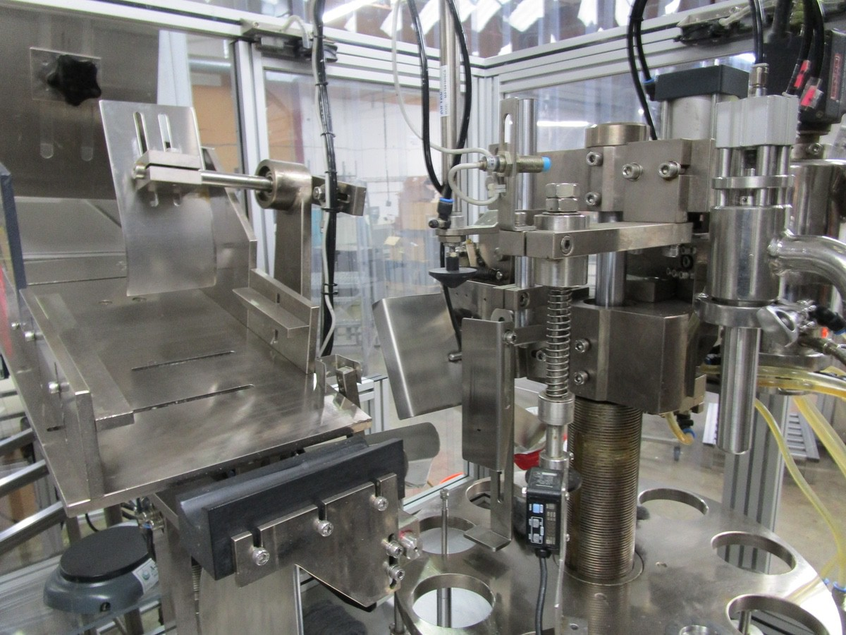 2011 TotalPacks TFS-100A Automatic Hot Air Tube Filler, s/n 5ML-250ML, Hopper & Part | Rig Fee: $650 - Image 4 of 12