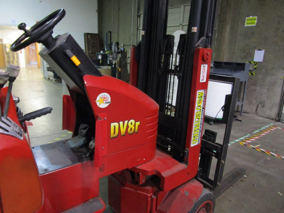Tailift USA DV8R Narrow Aisle Articulating Forklift s/n 600004, 3,630#, 775 Hou   Rig Fee: $100 - Image 5 of 11