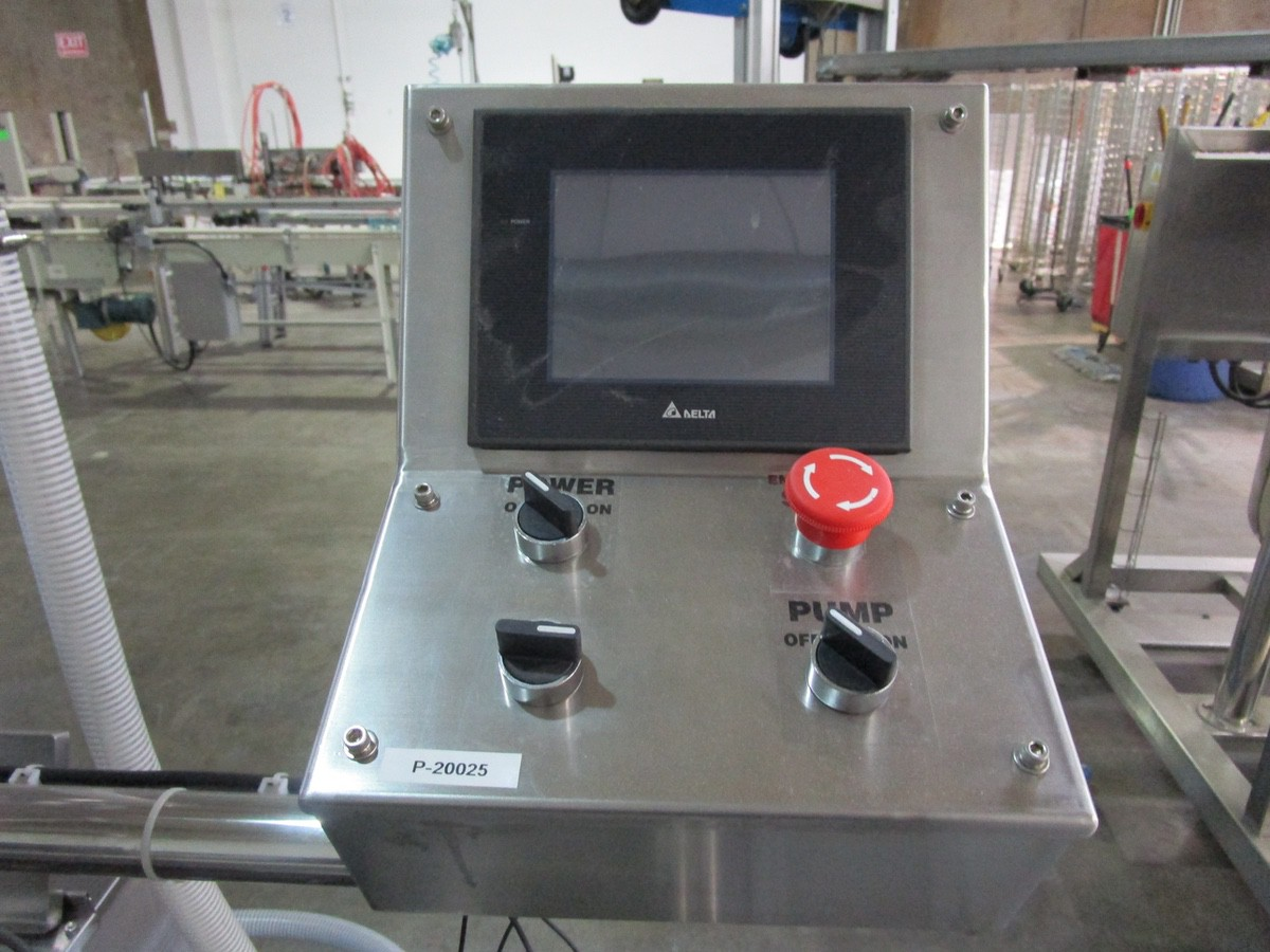 Lot 25 - 2018 Accutek 04-500-P01 Automatic 6-Head Inline Vacuum Filling Machine, Like New, Rig Fee: $375