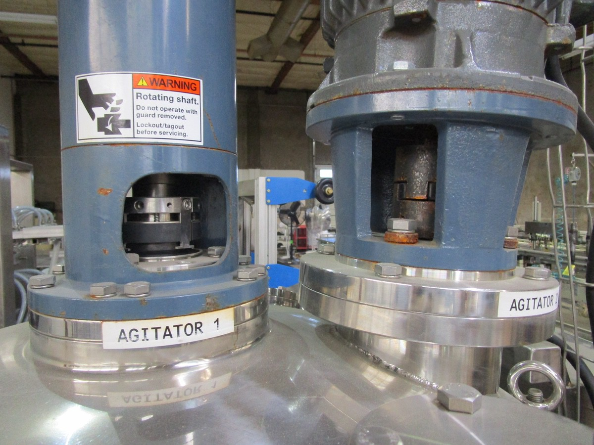 Approx. 75 Gallon Stainless Steel High Polish Twin Agitated Vessel, (2) Mixer/Agitat | Rig Fee: $300 - Image 3 of 10