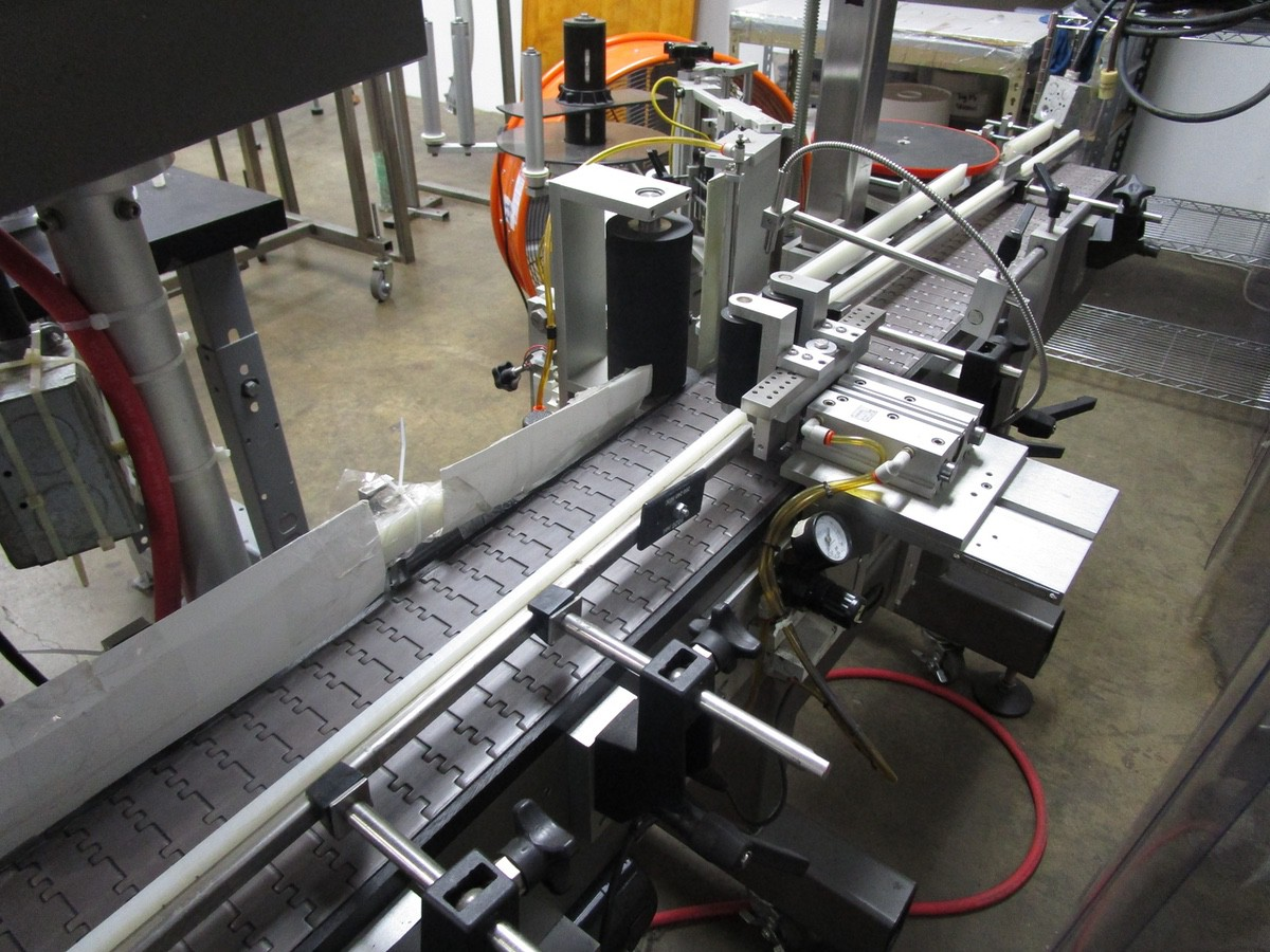 2017 Universal R320 Round Product Labeler s/n R320-06C-1142L, R.L. Craig Dual Side | Rig Fee: $50 - Image 4 of 8