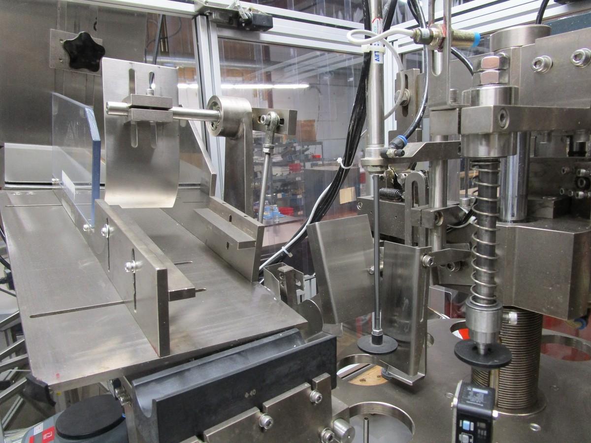 2013 JDA Packaging Equipment Super 30 Automatic Tube Filler s/n 150113, Conveyor, Hopper | Rig Fee: - Image 4 of 12