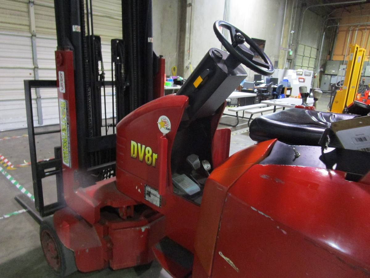 Tailift USA DV8R Narrow Aisle Articulating Forklift s/n 600004, 3,630#, 775 Hou   Rig Fee: $100 - Image 3 of 11
