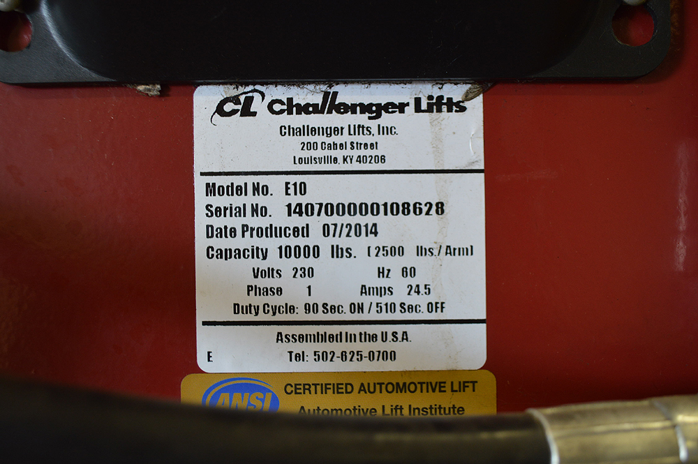 CHALLENGER LIFT MADE IN 2014 10K LB FREESTANDING CAR LIFT - Image 4 of 4