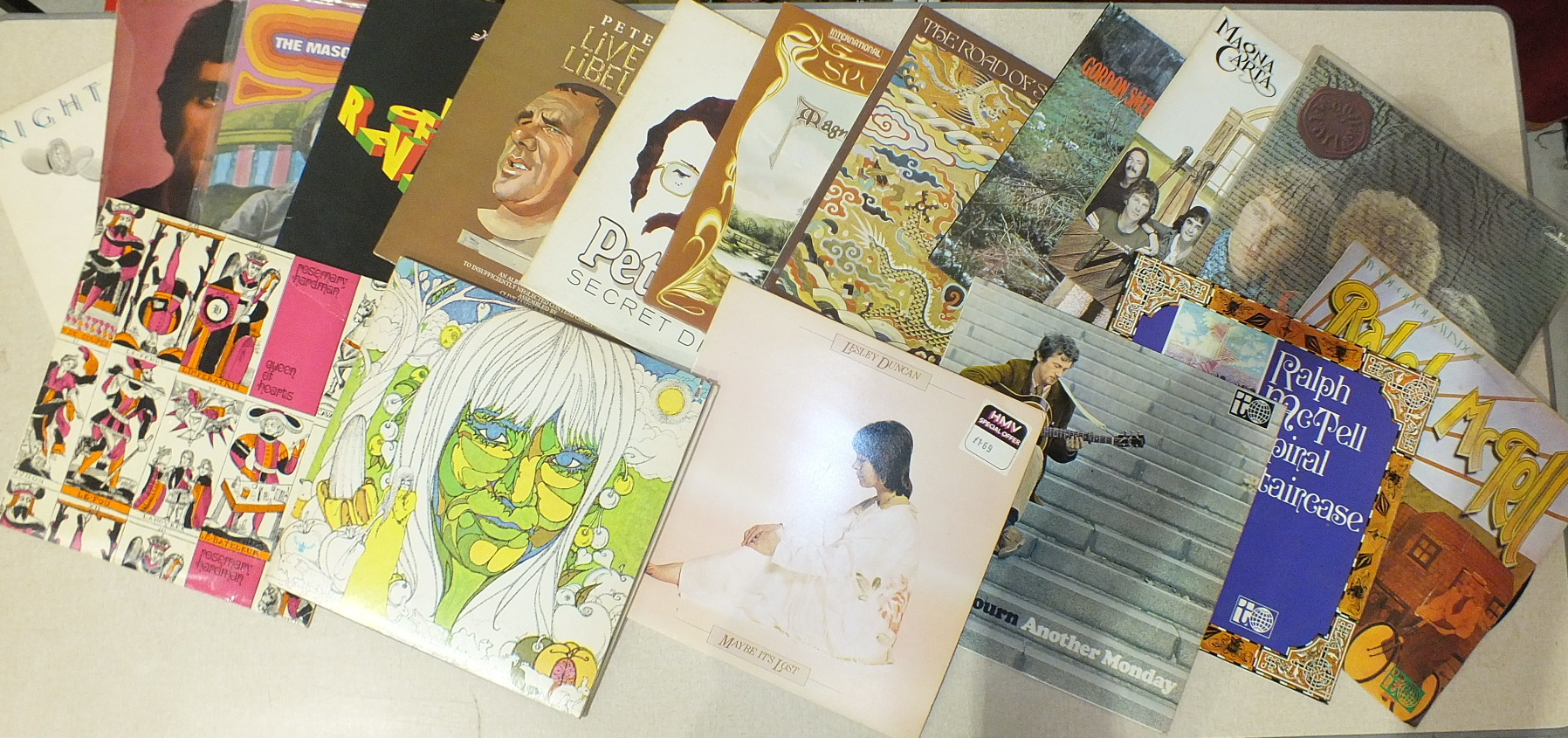 Lot 509 - A collection of various folk and blues LP records, including Rosemary Hardman 'Queen of Hearts',
