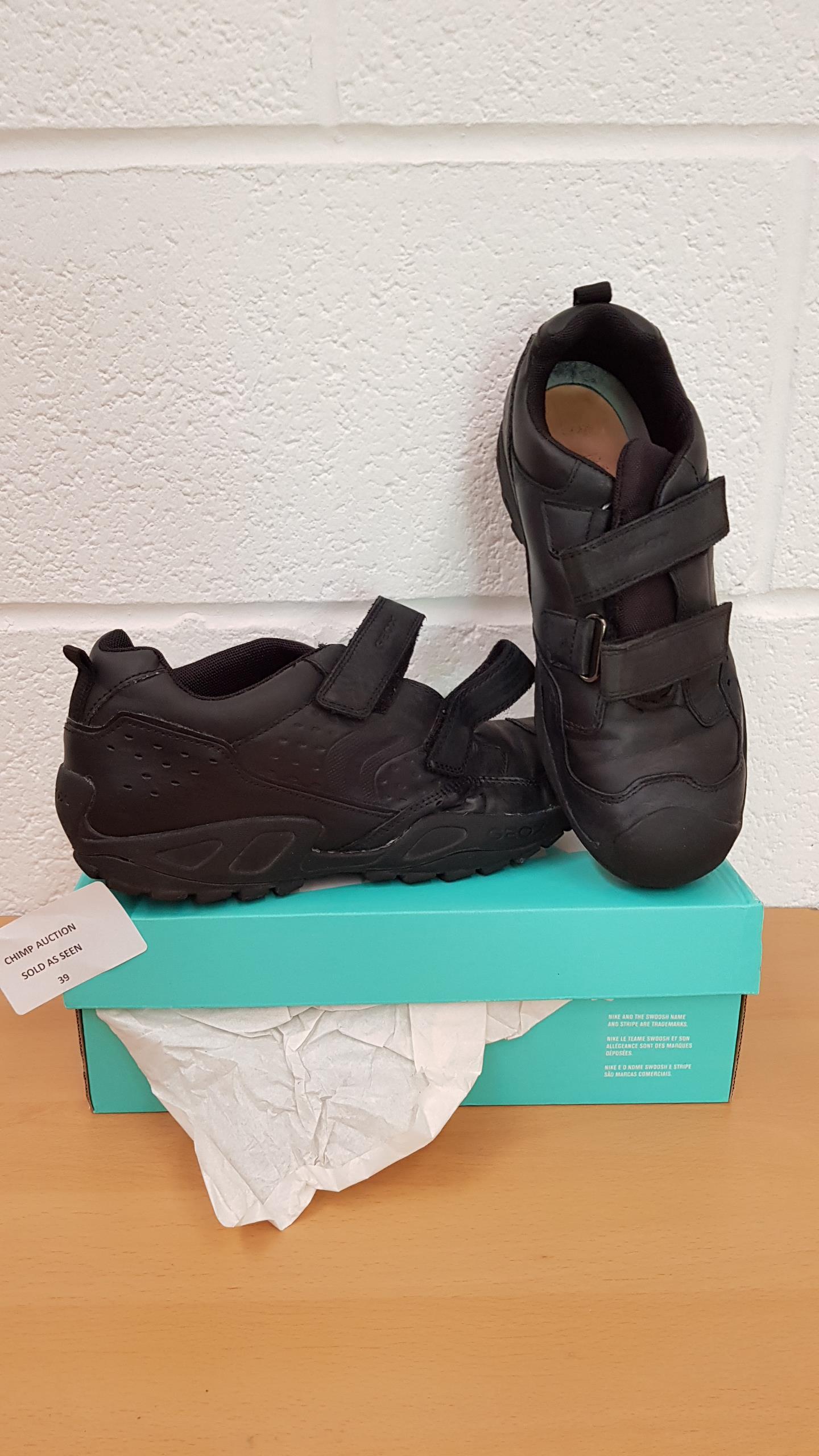 Lot 39 - Geox Respira shoes UK SIZE 6
