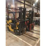 CATERPILLAR 5,000-LB CAP. FORKLIFT, MODEL C5000, S/N AT9012187, SIDESHIFT, 3 STAGE MAST, SOLID TIRES