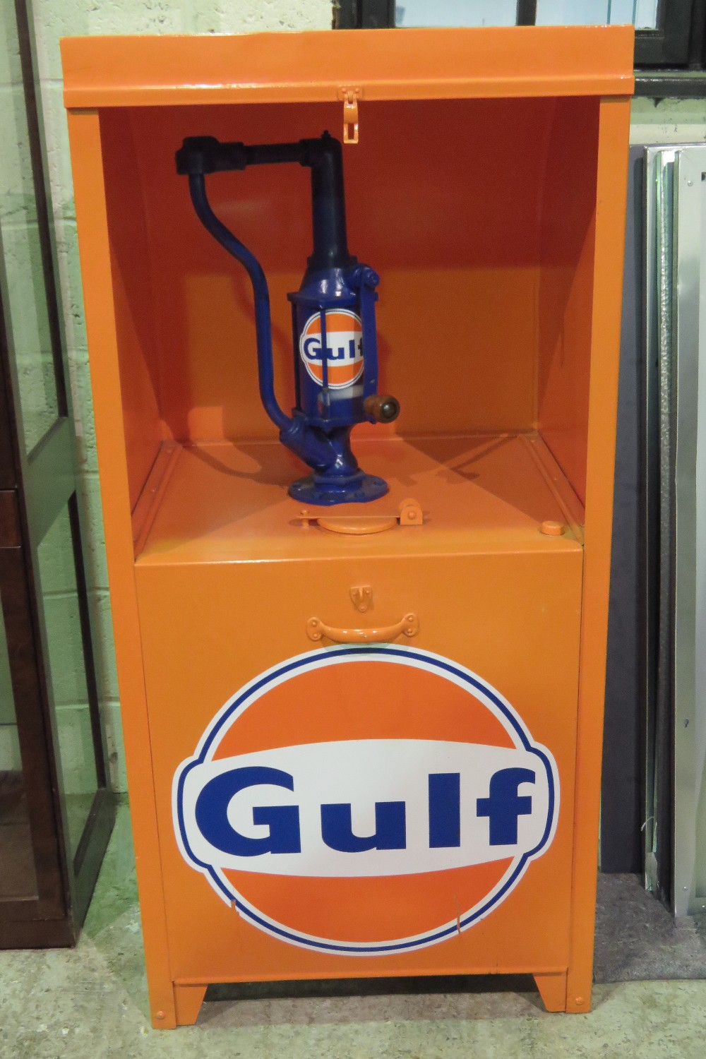 Lot 30 - A Gulf Oils themed workshop hand cranked
