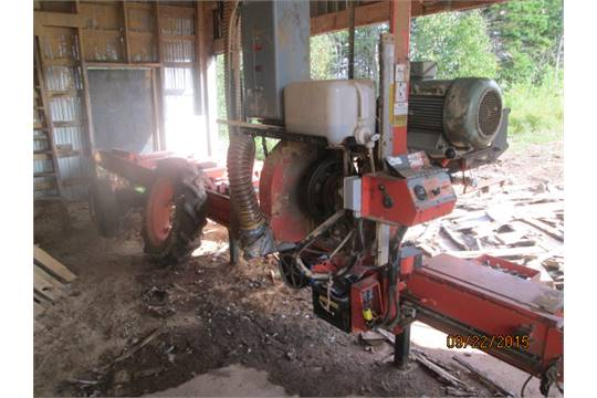 WOODMIZER LT-40 SUPER PORTABLE MILL WITH DUST COLLECTOR