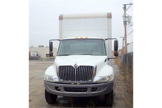 International Harvester Box Truck, Model 4200 VT365  129,129