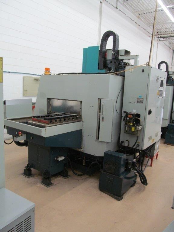 Lot 5 - FEELER FV-800 APC FANUC 18M CNC CONTROL