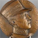 """General Henri Guisan 1939"" große Bronzeplakette, reliefiert gearbeitet, General Guisan in Uniform"