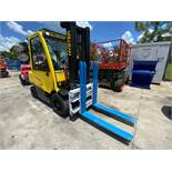 HYSTER FORTIS 70 FORKLIFT, LP POWERED, ENCLOSED CAB, HEAT, A/C, FINGERTIP CONTROLS, RUNS AND OPERATE