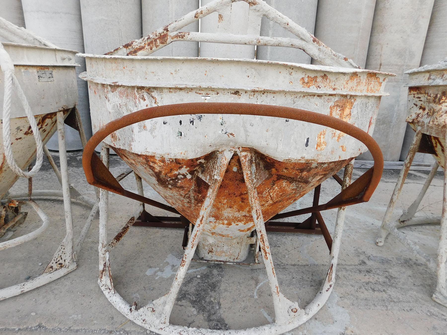 Lot 2340 - GAR-BRO CONCRETE BUCKET
