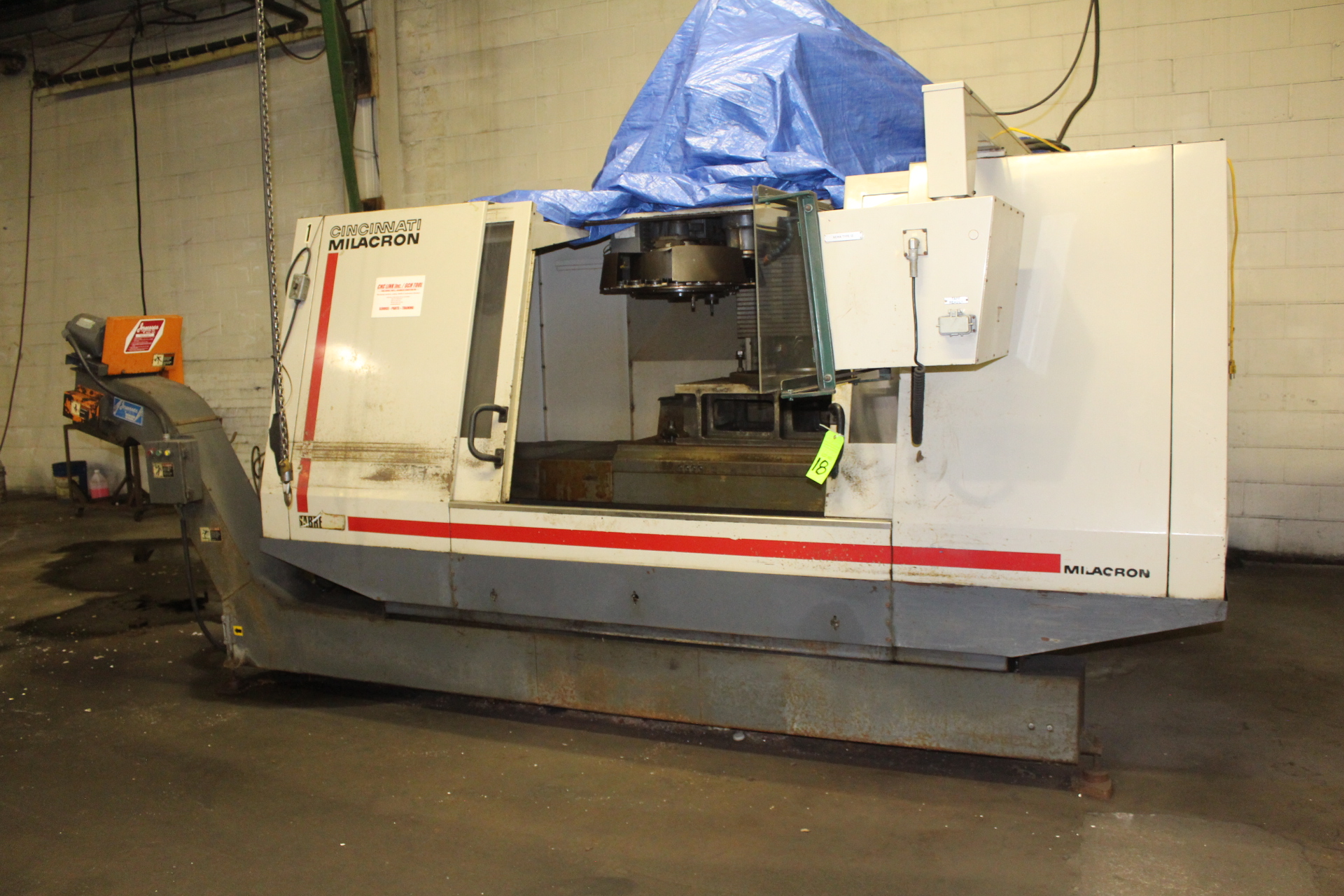 Lot 18 - Cincinnati Milacron Sabre 1250 CNC Vertical Machining Center