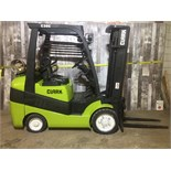 CLARK (MODEL #C30CL) 6000LBS LP 2 STAGE FORKLIFT - SERIAL #C232L-0189-9582KF