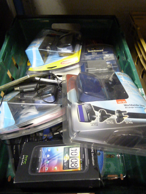 Lot 10 - Box of Electrical Accessories