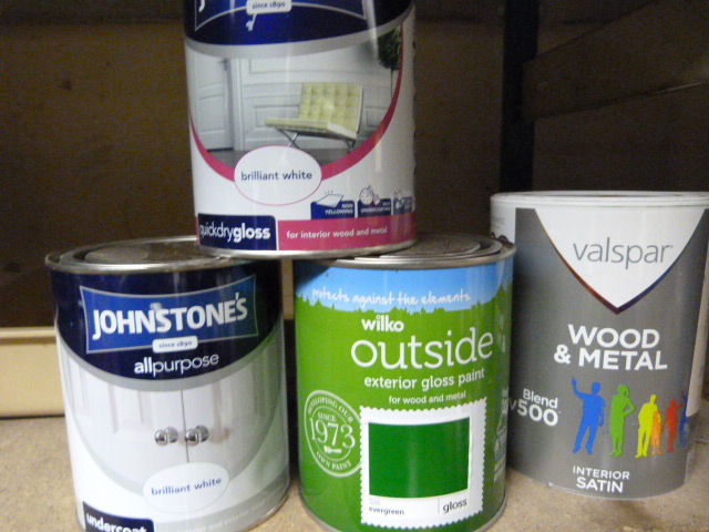 Lot 22 - Four Tins of 750ml Paint