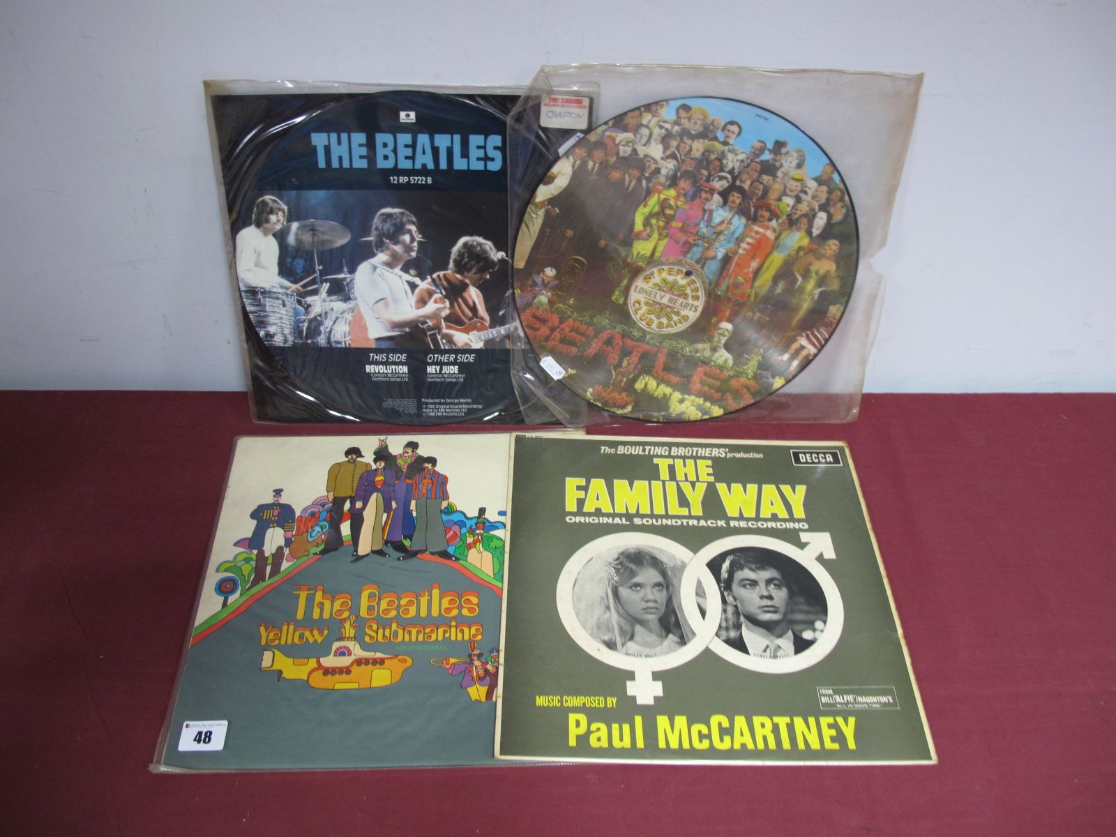 Lot 48 - Beatles Interest - Yellow Submarine, mono PMC7070, red lines surrounding text, no Garrod and