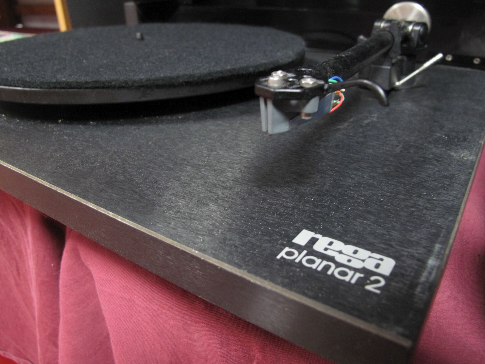 Lot 33 - A Rega Planar 2 Turntable, (no information printed on the stylus/cartridge), with two carbon fibre