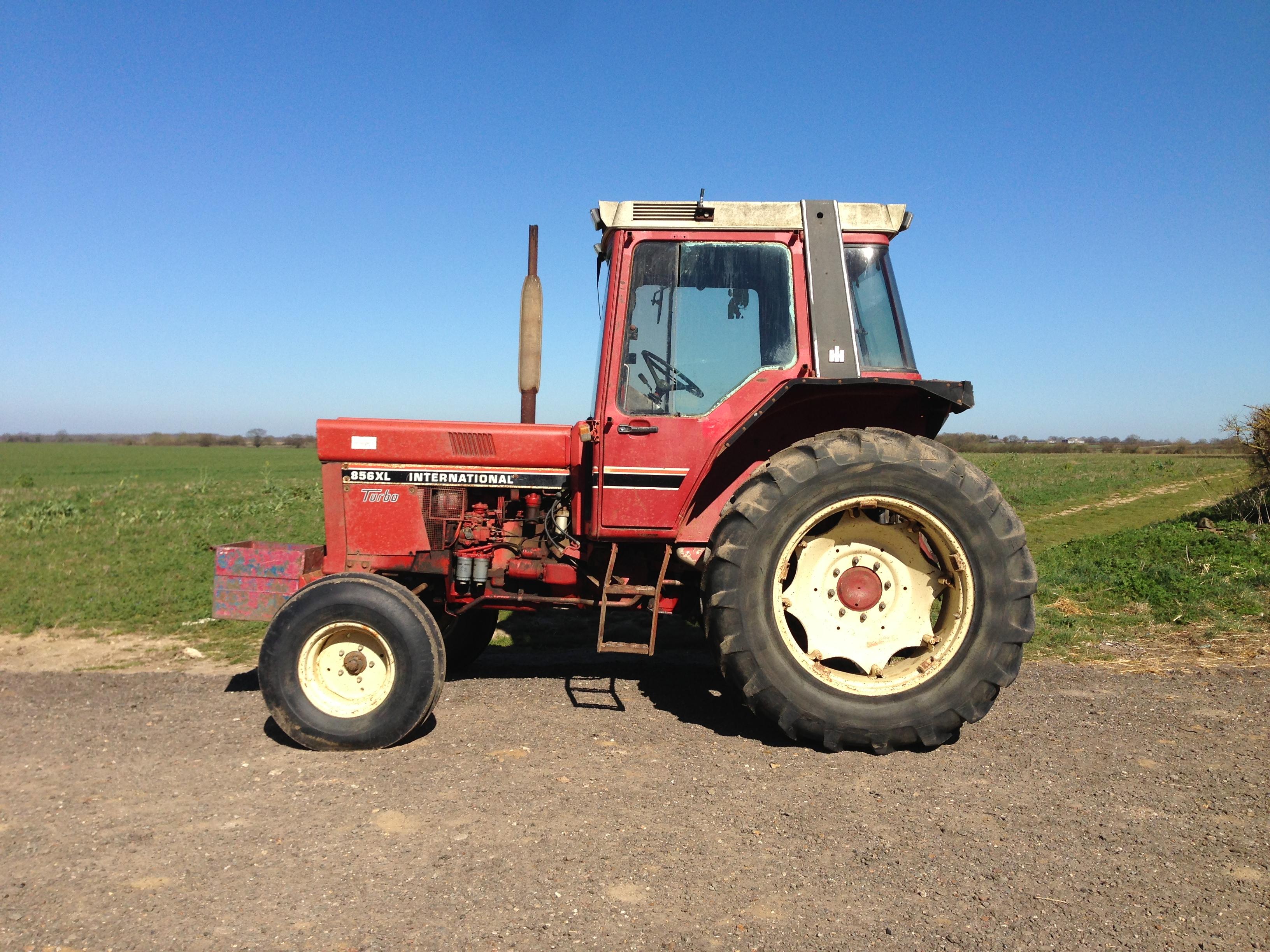1985 international 856 xl turbo tractor used regularly. Black Bedroom Furniture Sets. Home Design Ideas