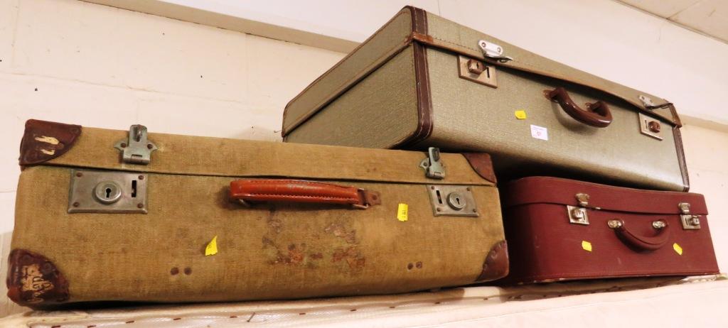 Lot 57 - THREE VINTAGE TRAVEL CASES