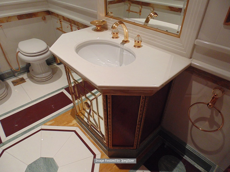 Lot 1233 - Cloakroom five basin vanity unit bathroom accessories and furniture from Baldi Home Jewels decorated