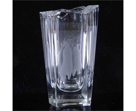 VICKE LINDSTRAND for KOSTA SWEDEN - etched penguins glass vase, 1955, fully signed LG149, height 18cmPerfect condition