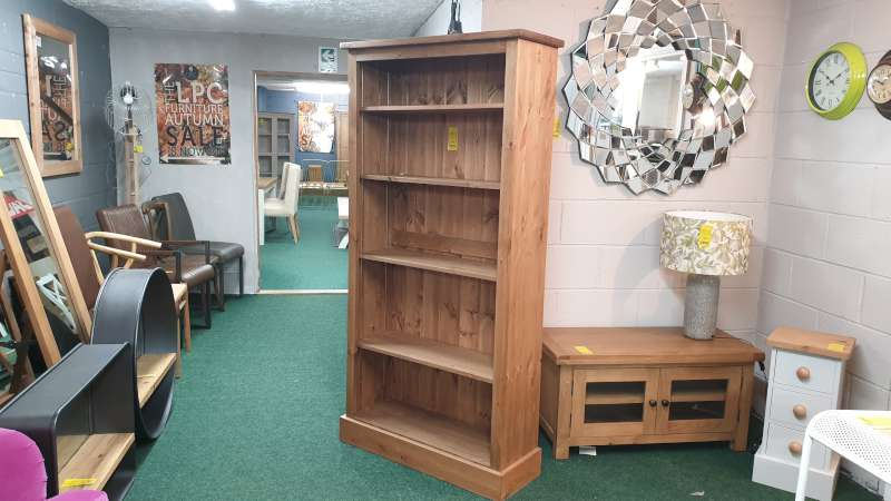 Lote 92 - WOODEN BOOKCASE WITH 5 SHELVES 86 X 32 X 183CM HIGH RRP £396