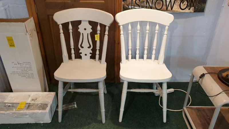 Lote 37 - 2 X PAINTED SPINDLE BACK OCCASIONAL CHAIRS RRP £149 EACH - TOTAL £298