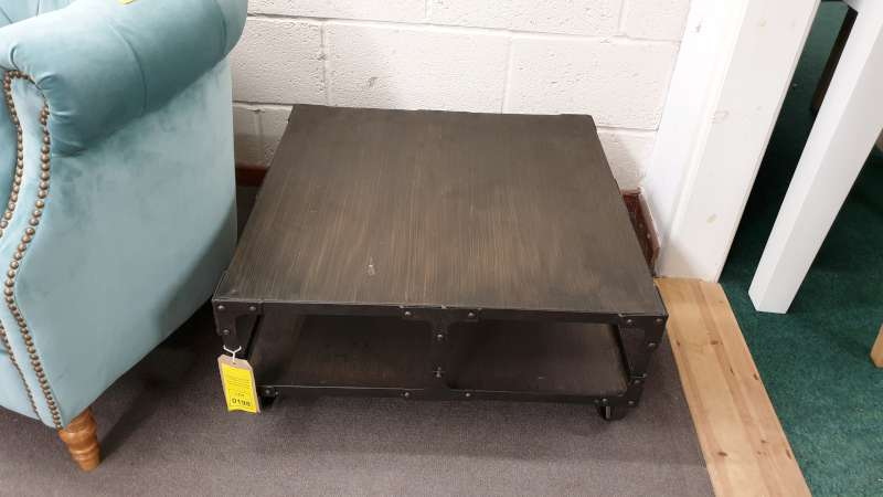 Lote 198 - MOBILE METAL COFFEE TABLE WITH UNDERSHELF STORAGE SIZE L690MM X H360MM X W690MM RRP 239.00