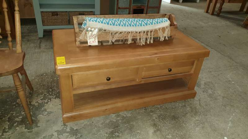 Lote 349 - COFFEE TABLE WITH UNDERDRAWER STORAGE SIZE L1190 X W645 X H500MM