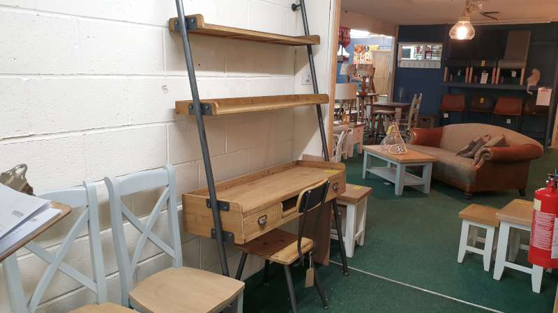 Lote 58 - RETRO MIK DESK UNIT 120 X 50 X 200CM WITH SCHOOL STYLE CHAIR TOTAL RRP £621