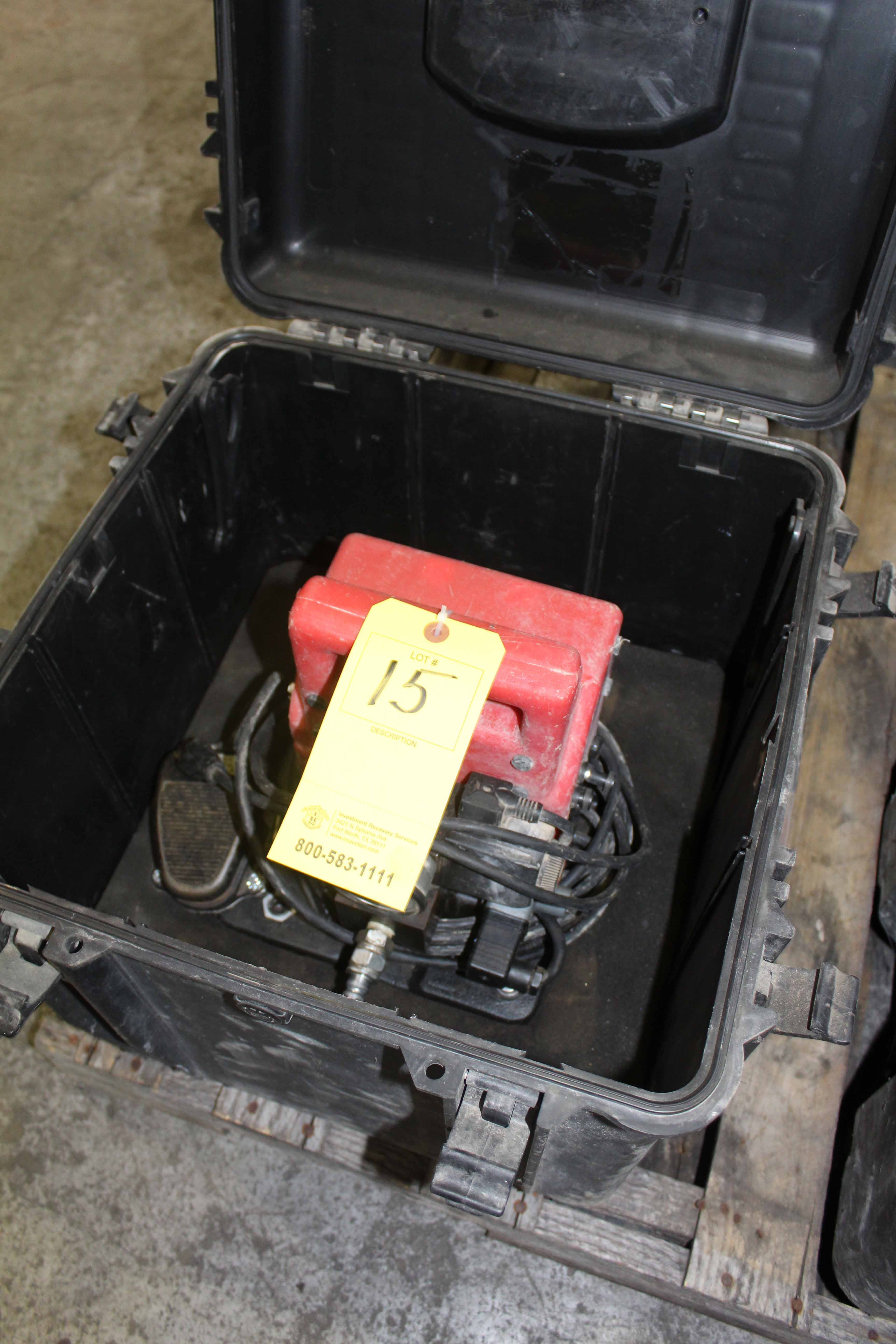 Lot 15 - PORTABLE ELECTRIC PUMP, ENERPAC MDL. L2062, 1/2 HP, w/case