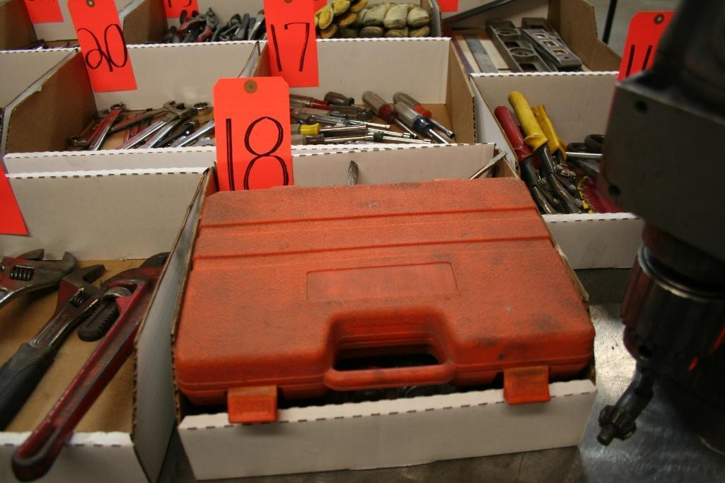 Box of Screwdrivers, Screwdriver Bits and Nut Drivers - Image 2 of 3