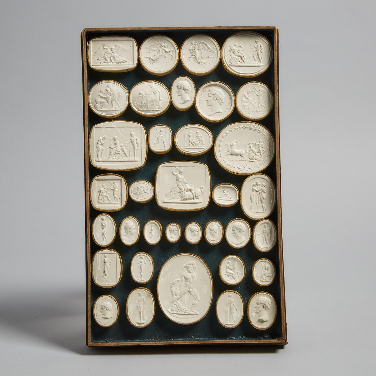 Cased Set of Italian Plaster Intaglio Medallions by Pietro Bracci, Rome, late 18th/early 19th centur - Image 2 of 7