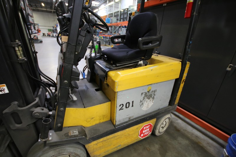 Lot 1a - YALE, 3 Stage Mast Forklift, Model ERC060, S/N E108V08497V, 4,900lbs Capacity, 187.8 inch Load