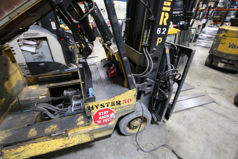 Lot 15 - HYSTER, 3 Stage Mast Forklift, Model E50XL, Equipped with LORAN Push Pull Slip Sheet Attachment,