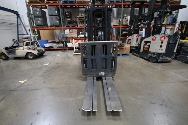 Lot 6 - HYSTER, 3 Stage Mast Forklift, Model E50XM, S/N C108V21185R , 3,700lbs Capacity, Equipped with LORAN